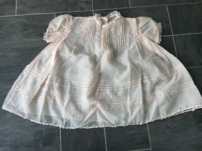 VINTAGE 1960s HANDMADE PINK PUFF SLEEVED BABY/GIRLS DRESS WITH EMBROIDERY & LACE