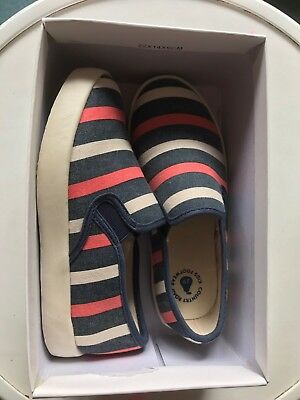 Country Road Boys Kids Canvas Shoes Size 29 New In Box