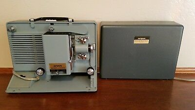 Vintage Argus Showmaster 500 Portable Film 8 MM Movie Projector