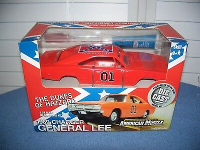 2001 The Dukes of Hazzard American Muscle 1969 Charger General Lee 1:24