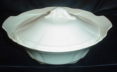 Alfred Meakin Plain Cream Coloured Lidded Tureen