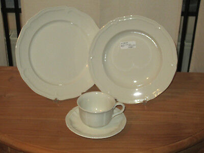 VILLEROY & BOCH *NEW* Manoir Set 2 Assiettes + 1 Tasse V&B 2 plates + 1 cup