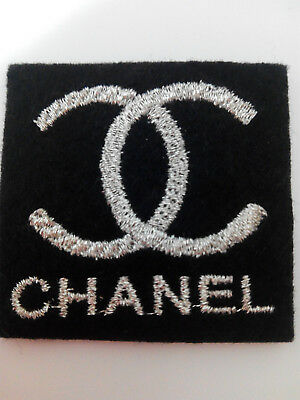Parche bordado para coser estilo Chanel 4,5/4,5 cm color plata decoracion ropa