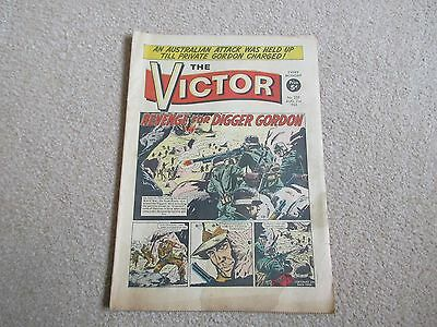 THE VICTOR COMIC No 235 - AUG 21ST 1965 - REVENGE FOR DIGGER GORDON.
