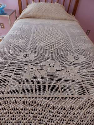 Fabulous Vintage Antique Hand Crocheted Bedspread~Floral~Popcorn