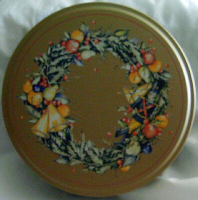 Wreath with Fruit, Nutcracker and Bells Cookie Tin