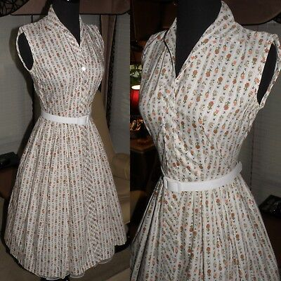 Vintage 1950's Cotton Day Dress, Small, Front Button, Full Skirt, Super Cute