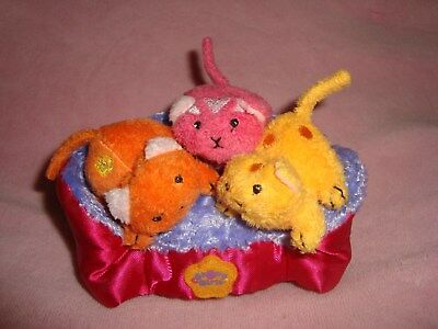 2003 Groovy Girls 3 Pet Kittens cats on bed Plush