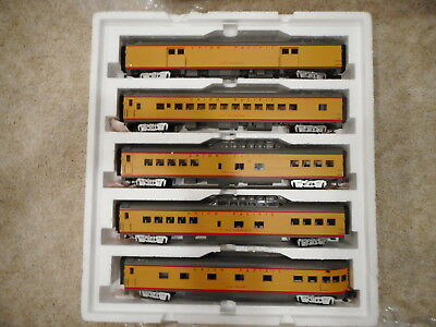 O-Scale MTH Union Pacific 5-Car 70' ABS Passenger Set - Smooth