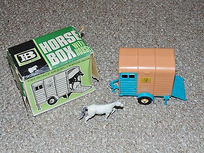 Vintage Britains 9547 Horse Box with Horse Farm Model Vehicle Playset Complete