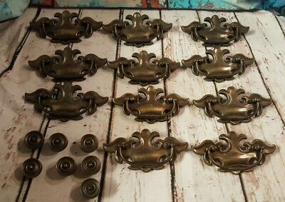 LOT OF 11 CHIPPENDALE BRASS VINTAGE DRAWER PULLS P1880 COLONIAL knobs p2