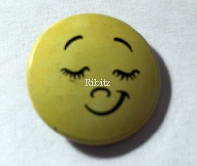 Vintage button badge PIN - Happy Smiley Face - eyelashes - Creative House -
