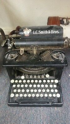 Antique / Vintage 1929 L C Smith & Corona No. 8 / 10In. Typewriter