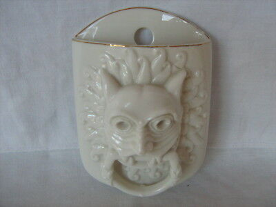 W H Goss porcelain Wall pocket flower holder The Durham Abbey Knocker