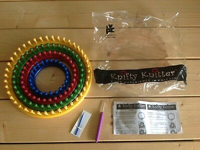 Knifty Knitter Looms Book/ Needle /hooks Vgc Provo Craft