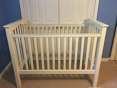 Pottery Barn Crib Kendall  White,-$125 Great Condition
