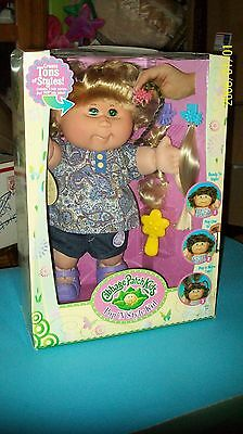 Cabbage Patch Kid Doll Playalong Pop N Style Kid