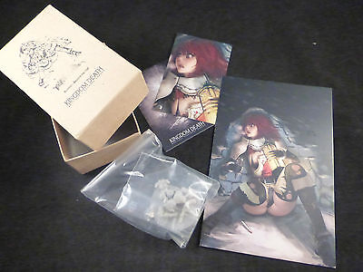 Kingdom Death Female Survivor Beyond the Wall Resin Kit Boxed + Card