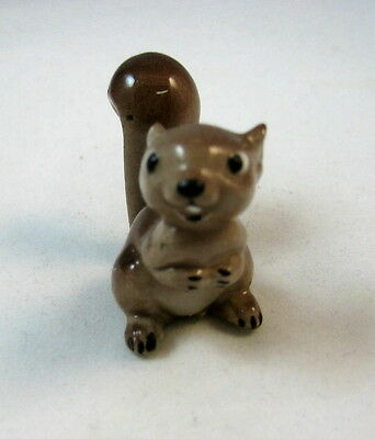 Hagen Renaker miniature made in America Squirrel Mama curved tail  retired VHTF