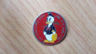 Rare Vintage CHARTERED BANK DONALD DUCK Badge 1960's SINGAPORE