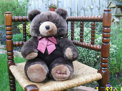 Harrods Large Foot Dated Christmas Bear Mint 1990