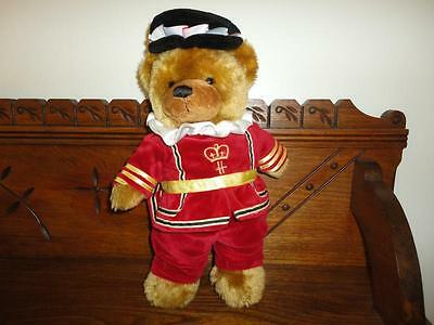 Harrods Knightsbridge England Beefeater Bear Full Outfit 13 inch