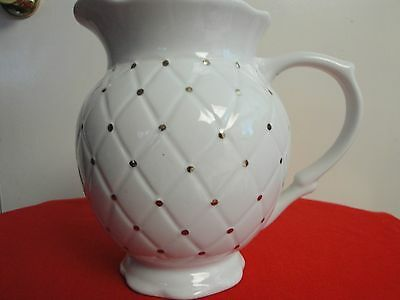 Vintage Golden Quilt Tabletop Unlimited Water Pitcher