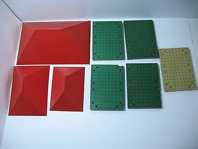 Bayko  5 X Green Bases  Plus 3 Red Roof