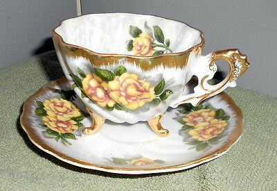 Napco China HP3 Footed Lustre Swirled Tea Cup & Saucer Yellow Roses  Gold 1DD180