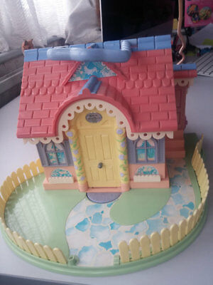 Vintage Lucy Locket House Playset Cottage Bluebird Toys 1994 Carry Case RARE