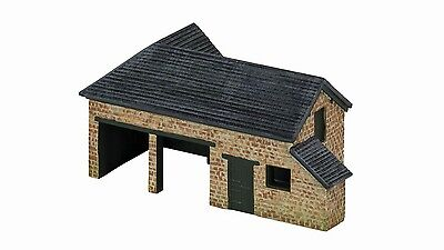 Hornby The Country Farm Tractor/Plough Shed R9850 OO Scale (suit HO also)