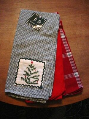 WOODBRIDGE DESIGN - 3 CHRISTMAS KITCHEN TOWELS   New with tags