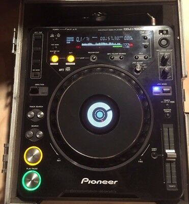 PIONEER CDJ 1000 MK3 with Road Case and cables