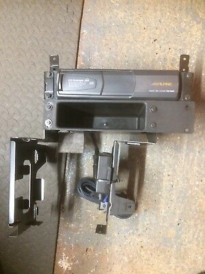 Bmw E46 Alpine 6-disc Changer With Frame