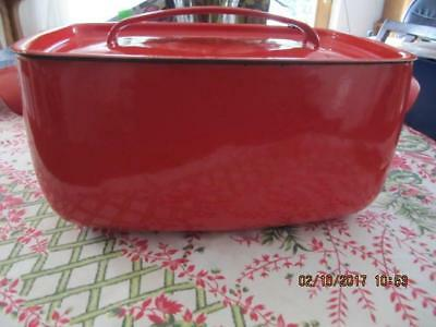 """Vintage Red Enamelware Covered Roaster with Cast Iron Bottom 11X7X5"""" unbranded"""