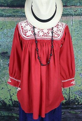 Red & Cream Hand Embroidered Blouse Mayan Chiapas Mexican Peasant Hippie Cowgirl