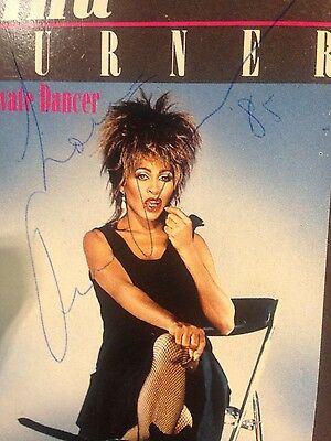 Tina Turner AUTOGRAPH .  Private dancer ep, VHS video
