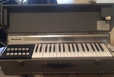 J Busilacchio Italian Vintage Organ Keyboard - In Carry Case