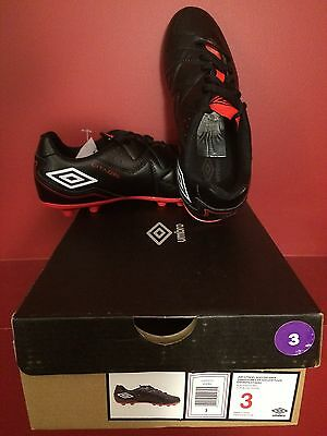 UMBRO Junior Citadel Black/White/Red Soccer Shoe - Size 3 - NIB