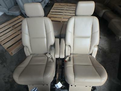 Stupendous 07 14 Gmc Yukon Second 2Nd Row Rear Seat Tan Leather Manual Squirreltailoven Fun Painted Chair Ideas Images Squirreltailovenorg