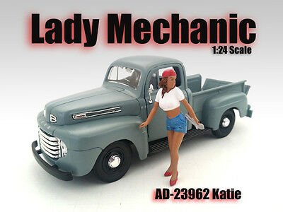 FEMALE MECHANIC - Katie - 1/24-G Scale figure/figurine - American Diorama