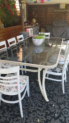 Outdoor Dining Table / glass top