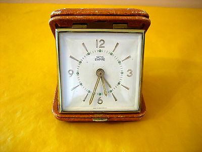 VINTAGE SMITH EMPIRE TRAVEL ALARM CLOCK, WORKING, damage to the case (0.2/426)