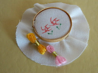 (M5.17) Dolls House Mini Embroidery With Cottons