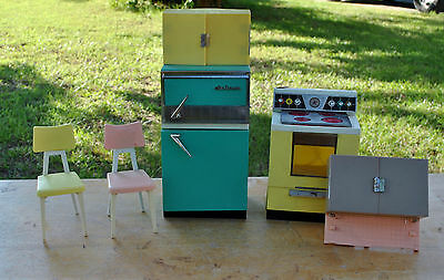 Vintage Deluxe Reading Stove Refrigerator and Chairs Barbie Size