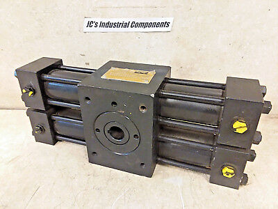 Parker,   Hydraulic Rotary Actuator,  180 Deg.,  Htr7.5-1803-Aa13-C,  3000 Psi