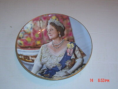 Crown Collectors Plate TO COMMEMORATE THE 80TH BIRTHDAY OF THE QUEEN MOTHER