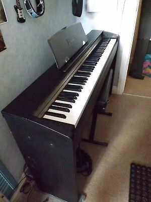 Casio PX-730 electric piano in mint condition.