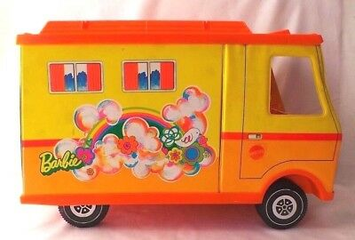 """1970 Mattel Barbie Country Camper w/Attached Tent & 12"""" Barbie Doll"""