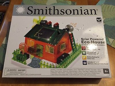 Brand New Smithsonian Working Solar Powered Eco-House KIT Science Activities